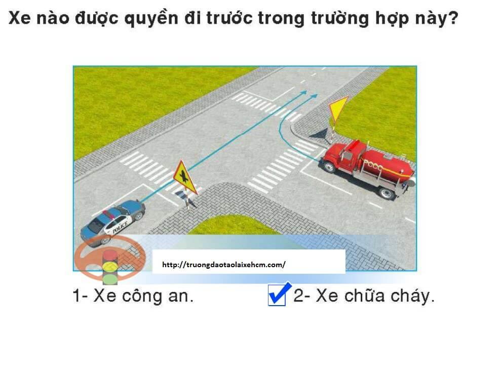 450-cau-hoi-sat-hach-lai-xe-367