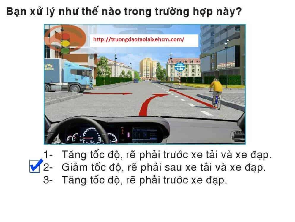 450-cau-hoi-sat-hach-lai-xe-441
