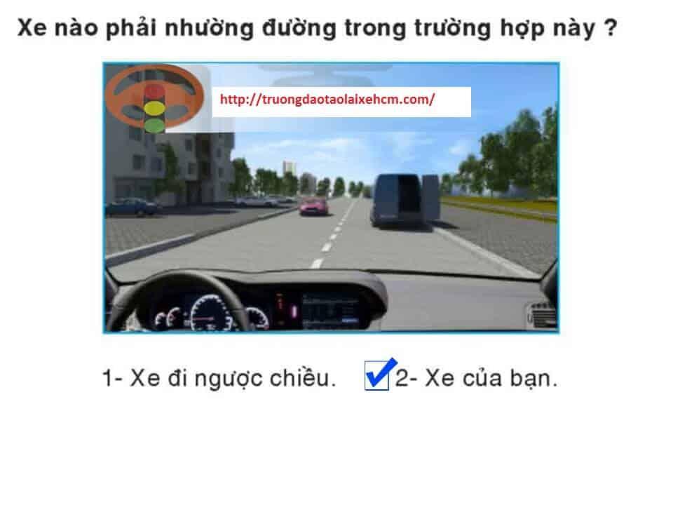 450-cau-hoi-sat-hach-lai-xe-445