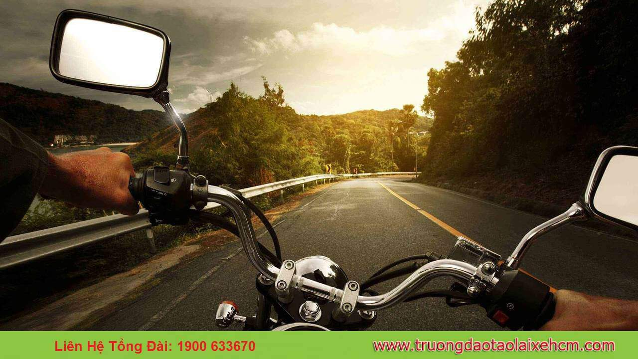 Training: Studying & Examining the A2 Motorbike License (large displacement motorbike> 175cc) 6