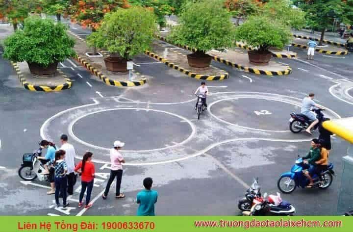 Training: Studying & Examining the A2 Motorbike License (large displacement motorbike> 175cc) 4