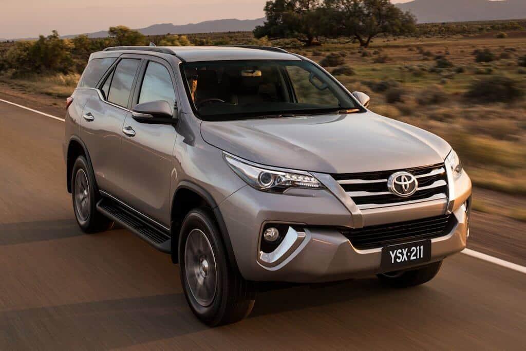 Chia Sẻ Cách Sử Dụng Toyota Fortuner 2017 1