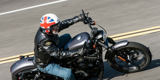 Review of Harley Davidson Iron 883 - 02.1