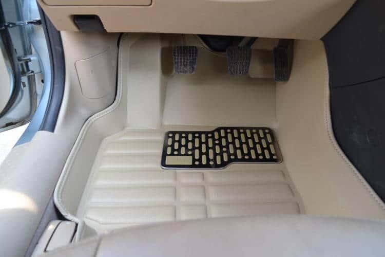 Những trang bị, đồ chơi cần thiết cho xe ô tô, nội thất 4