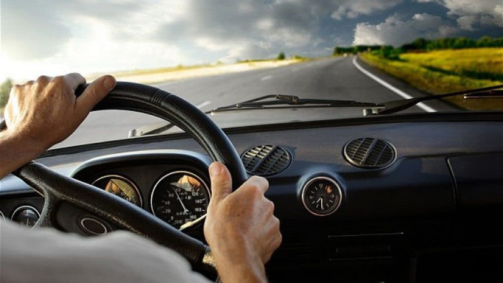 tim hieu chi tiet diem mu va diem chet cua xe tai 1024x576 - Tìm hiểu chi tiết điểm mù và điểm chết của xe tải và cách lưu thông an toàn cùng xe tải to