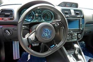 VOLKSWAGEN SCIROCCO R 4 300x200 - Đánh giá xe Volkswagen Scirocco E - Hot hatch 1,7 tỷ