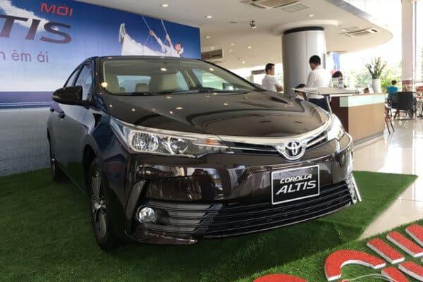 Toyota Altis phiên bản 1.8E và 1.8G 2018 có gì khác nhau? 1