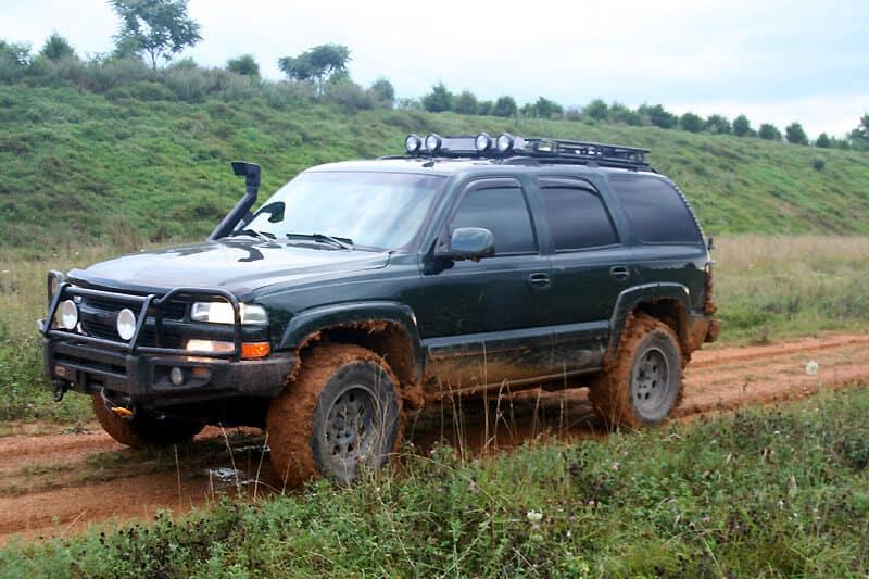 "Chevrolet Trailblazer Offroad Thách Thức ""Thánh"" Fortuner 4"