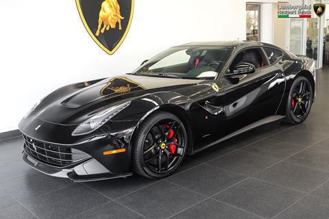 Đánh giá xe Ferrari F12 berlinetta với doanh nhân Quốc Cường 3