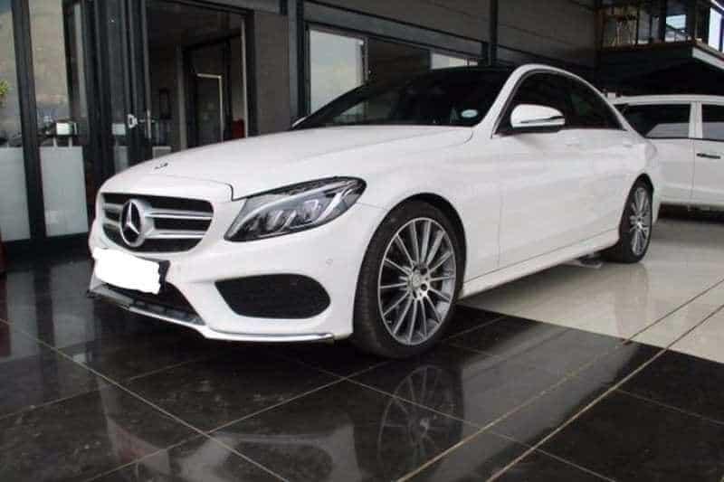 Mercedes Benz C250 1 - Đánh giá xe Mercedes-Benz C250 AMG