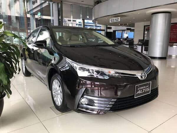 Toyota Altis phiên bản 1.8E và 1.8G 2018 có gì khác nhau? 3