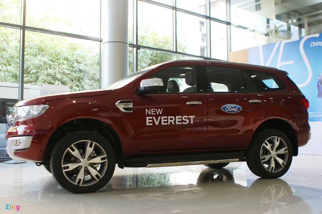 Ford Everest Trend 2.2 có đủ hay để cạnh tranh Toyota Fortuner 2.4G 2
