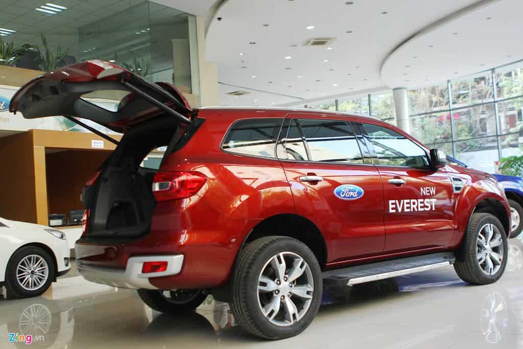 Ford Everest Trend 2.2 có đủ hay để cạnh tranh Toyota Fortuner 2.4G 3