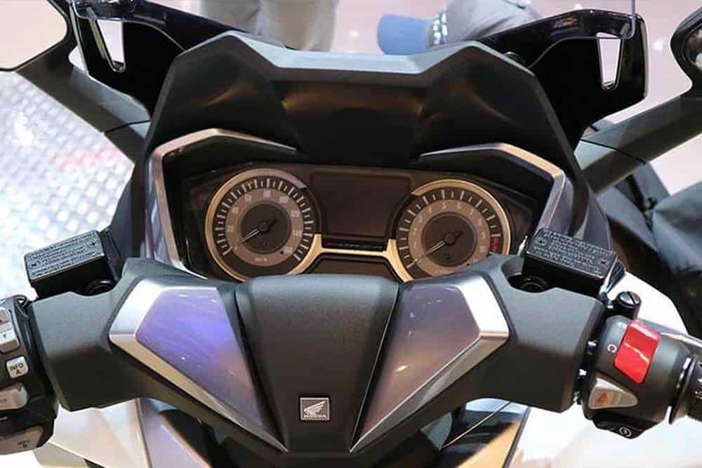 - tin-tuc-chia-se - Eicma 2018 - Soi chi tiết Honda Forza 300 2019 tại Milan Italia