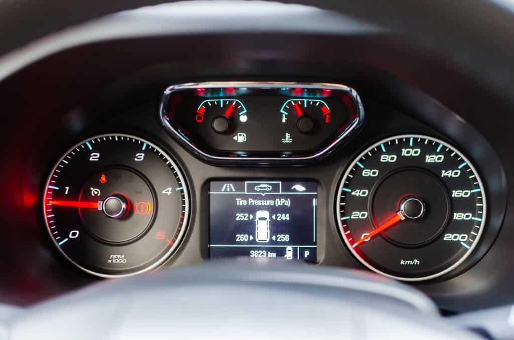 Chevrolet Trailblazer 4 - Đánh giá xe Chevrolet Trailblazer – đối thủ Ford Everest (Phần 2)