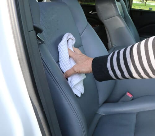 Hướng dẫn chăm sóc xe đúng cách, Chia sẻ cách chăm sóc ô tô hiệu quả, Các bước chăm sóc ô tô đúng là gì - tin-tuc-chia-se - Để Chăm Sóc Xe Đúng Cách Thật Không Đơn Giản
