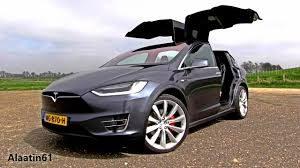 Khám phá chi tiết Tesla Model X bản P100D 17