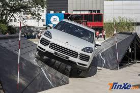 Thử Offroad điên cuồng cùng Porsche Cayenne 1