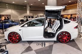 Khám phá chi tiết Tesla Model X bản P100D 8