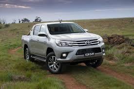 Đánh giá xe Toyota Hilux 2018 1