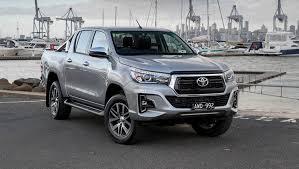 Đánh giá xe Toyota Hilux 2018 3