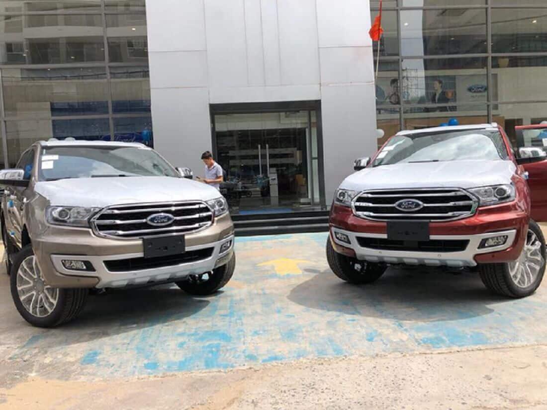 Ford Everest 2019Titanium 2 Cầu và Titanium 1 Cầu