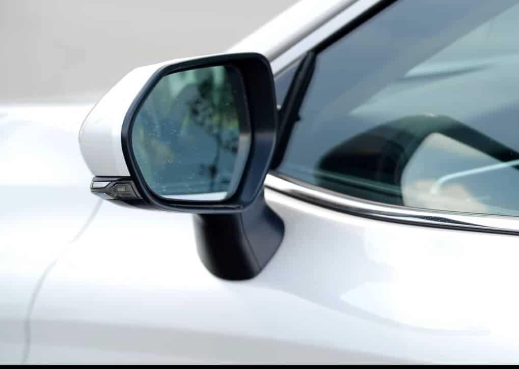 Toyota Camry 2.0G Nhập Khẩu 2019: Giá Bán + Khuyến Mãi
