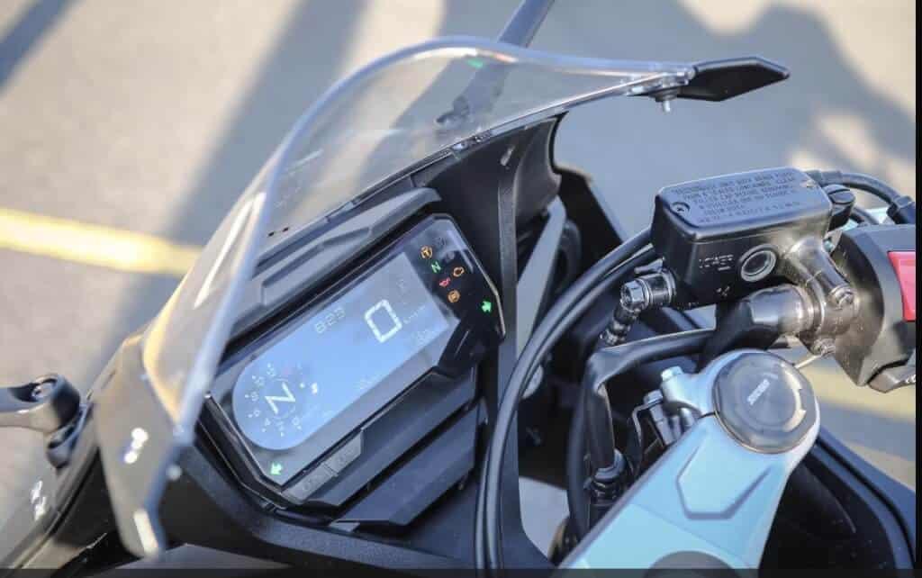 Honda CBR650R 2019 - 254 Million 1