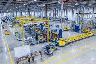 Bên trong nhà máy sản xuất xe VinFast LUX SA2.0 và A2.0 22