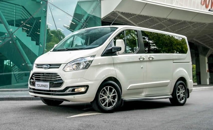 Đánh giá MPV 7 chỗ Ford Tourneo - đối trọng Kia Sedona giá chưa tới 1 tỷ đồng 1