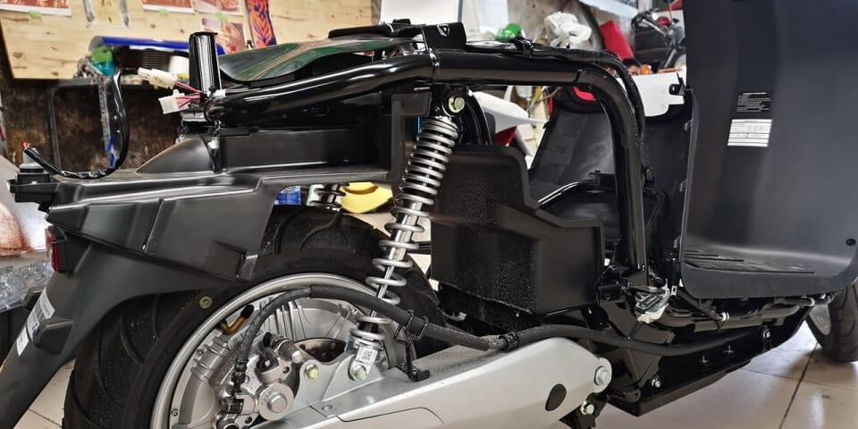Remove VinFast KlaraS: Has A Competitive Door With Intermediate Scooters 6