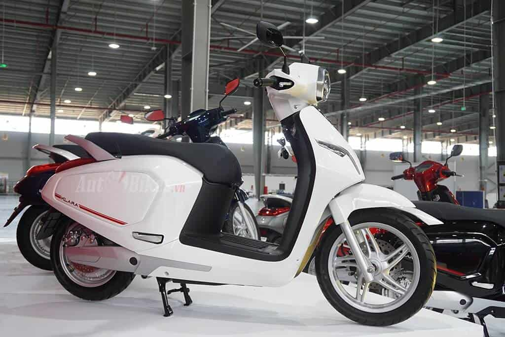 Removing VinFast KlaraS: Has Competitive Doors With Intermediate Scooters 8