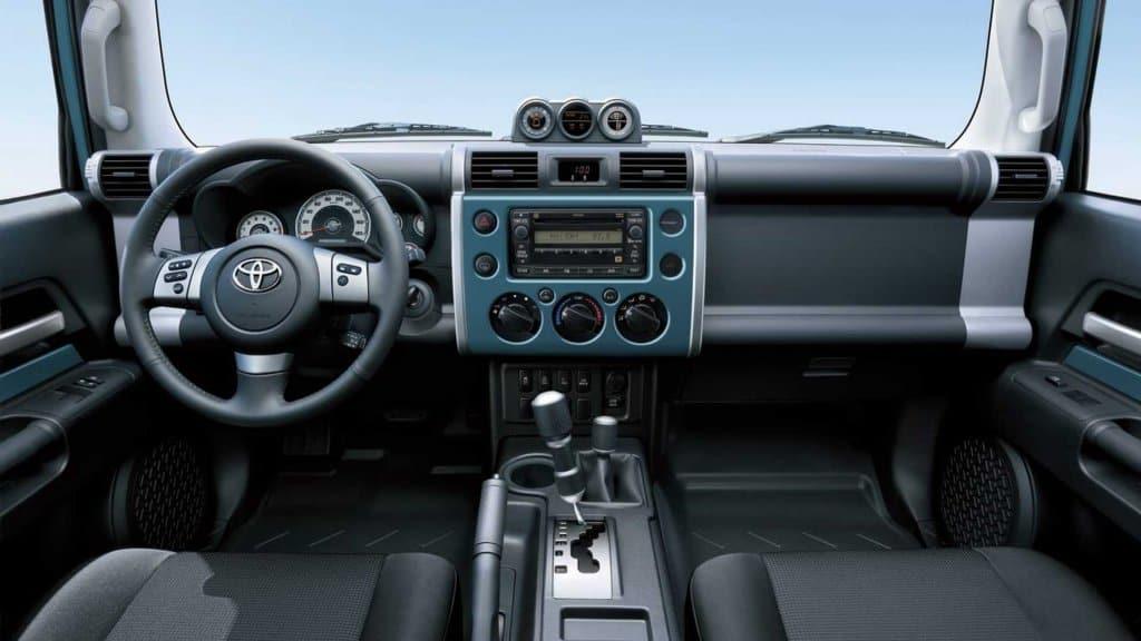 Dưới 4 Tỷ Chọn Xe Địa Hình Nào? Jeep Wrangler Rubicon hay Toyota FJ Cruiser? 2