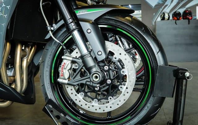 Hùng Lâm Đập Thùng Kawasaki Z1000R 2020 Giá 459 Triệu 6