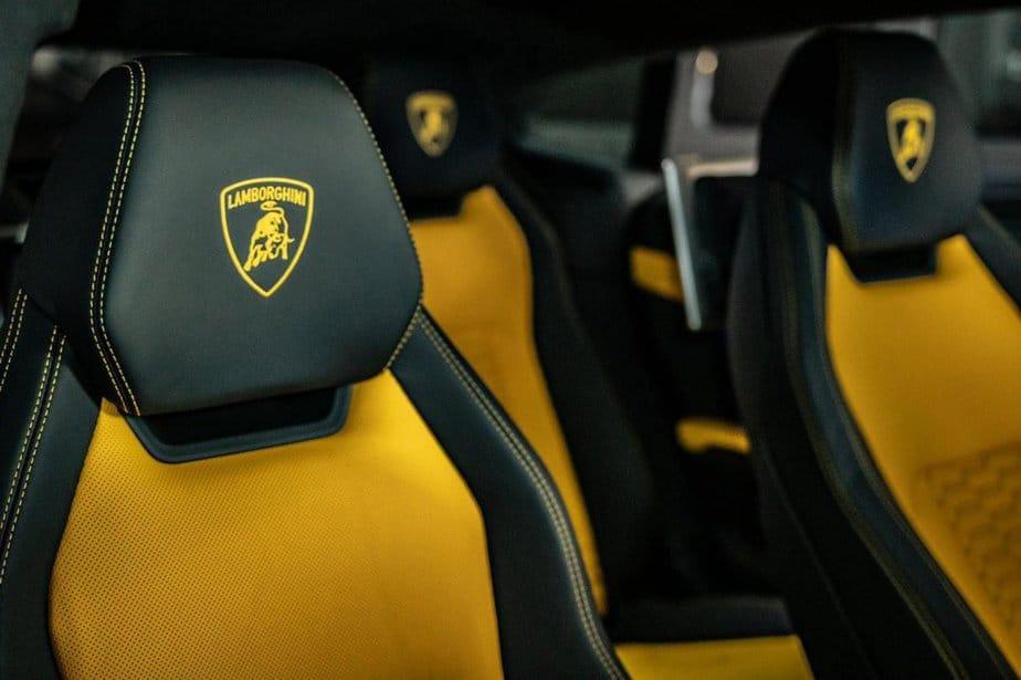 Chi Tiết Lamborghini Urus Bản 4 Chỗ Full Carbon Chỉ Dưới 20 TỶ 9