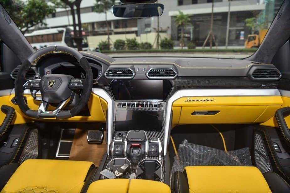 Chi Tiết Lamborghini Urus Bản 4 Chỗ Full Carbon Chỉ Dưới 20 TỶ 7