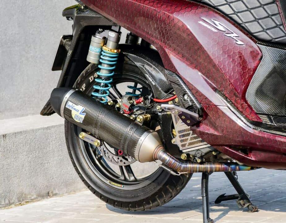 Độ Honda SH 150i Hết Hơn 500 Triệu - Phuộc Ducati V4S Dàn Vỏ Full Carbon 4