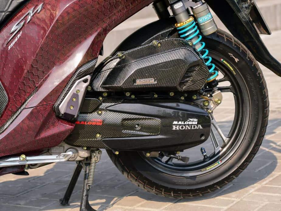 Độ Honda SH 150i Hết Hơn 500 Triệu - Phuộc Ducati V4S Dàn Vỏ Full Carbon 3